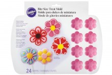 Wilton : Daisy 24 Cavity Silicone Mould
