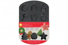 Wilton : Holiday Christmas Cookie Tin - Makes 12 Cookies