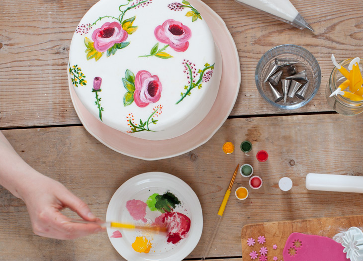 Cake Art Techniques : Cake Painting Tips